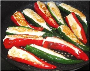 Frying-stuffed-chilies-for-Fragrant-Curry-Chilies-Stuffed-with-Fish-Paste-Recipe
