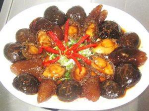 Flavorful-Braised-Abalone-Sea-Cucumber-and-Mushrooms-Recipe