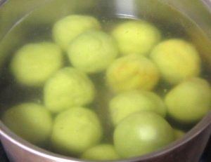 Cooking-sweet-potato-balls-for-Ondeh-Ondeh-Recipe
