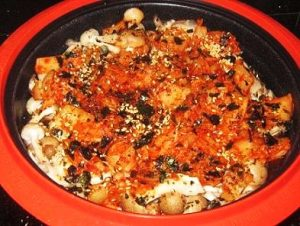 Kimchi-with-Mushrooms-top-with-Salmon-Seaweed-Flakes